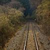 山道を通る線路