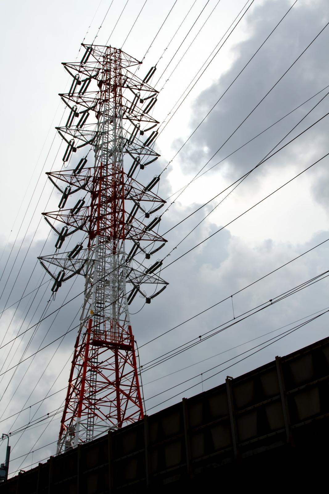 曇り空と送電線曇り空と送電線