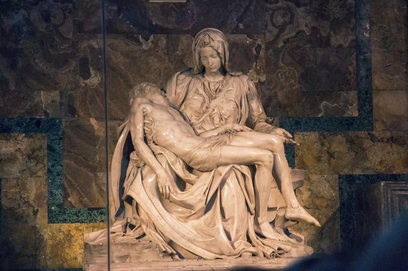 ピエタ像(サン・ピエトロ大聖堂)