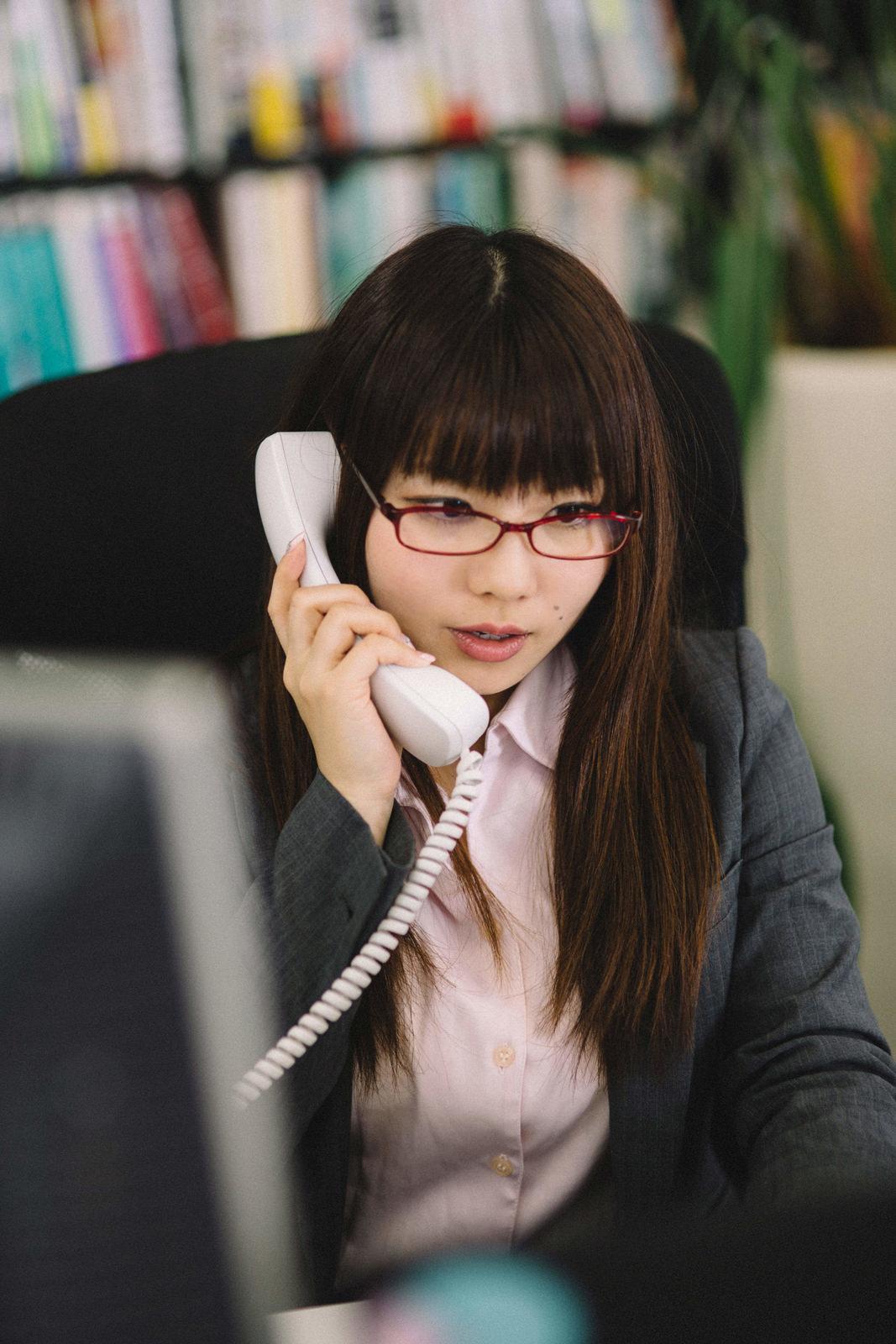仕事ができる事務の女性仕事ができる事務の女性 [モデル:Lala]