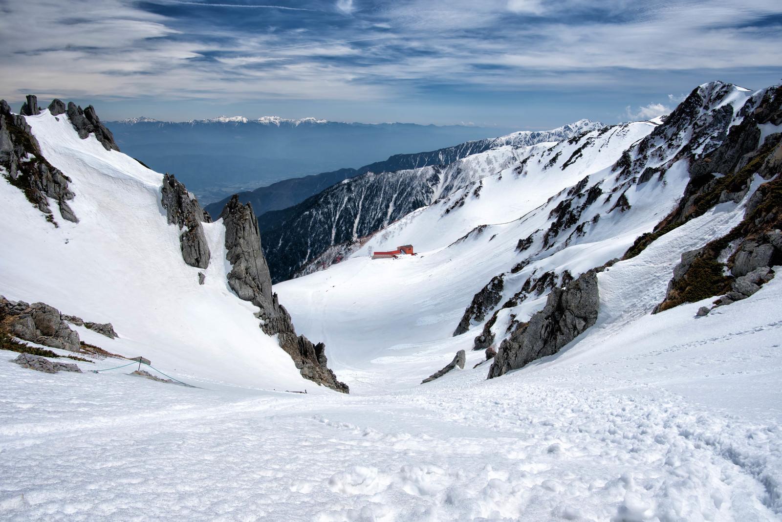 「2650メートルの高さに建てられた千畳敷ロープウェイ」の写真