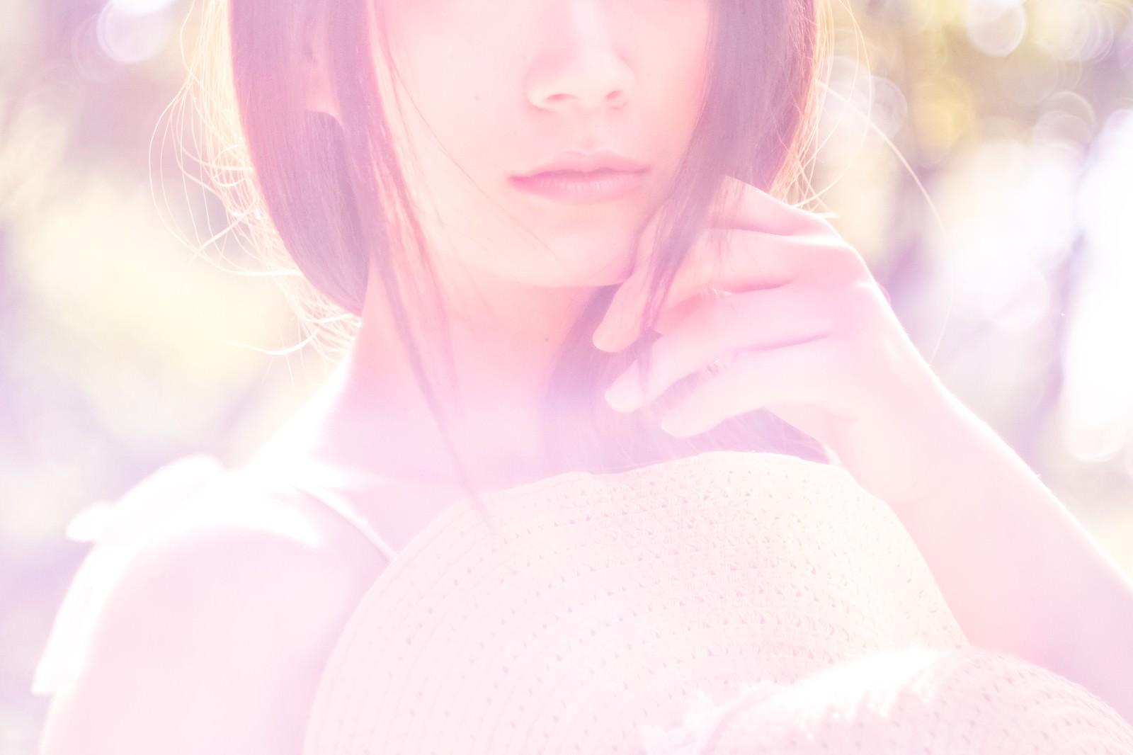 「柔らかな女性の口元柔らかな女性の口元」のフリー写真素材を拡大