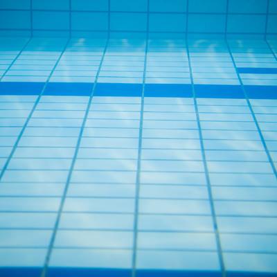 「プールの中」の写真素材