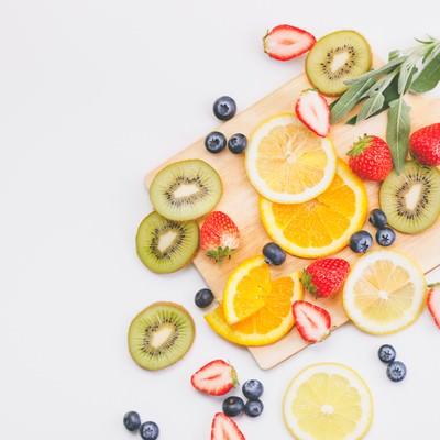 「ビタミンたっぷりフルーツ(マット)」の写真素材