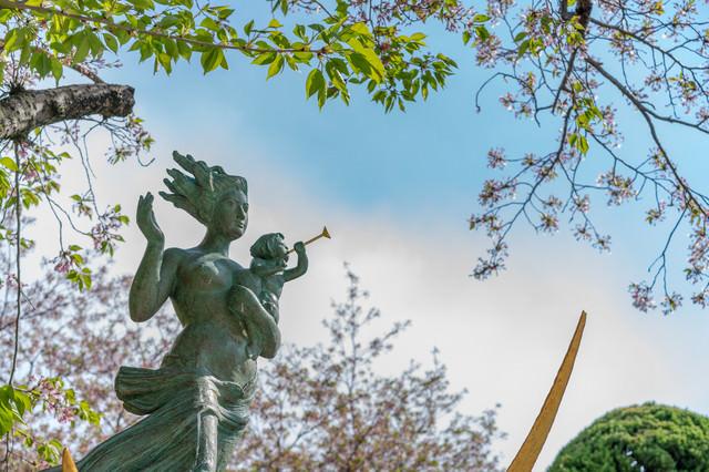 平和祈念像の写真