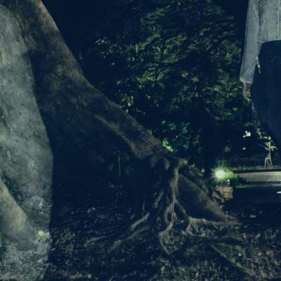 「【恐怖】女性の残像が写る」の写真素材