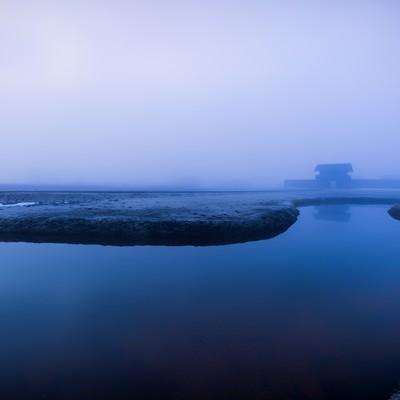 「霧の古代遺跡」の写真素材