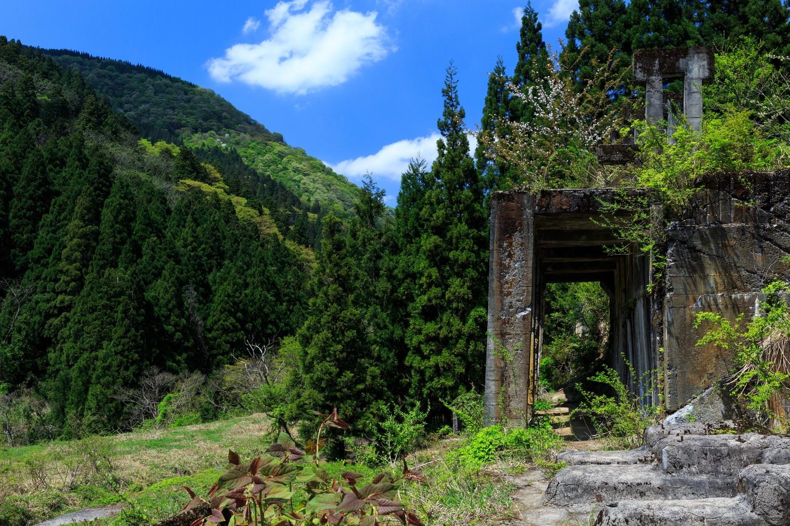 「滋賀県長浜市にある土倉鉱山跡」の写真