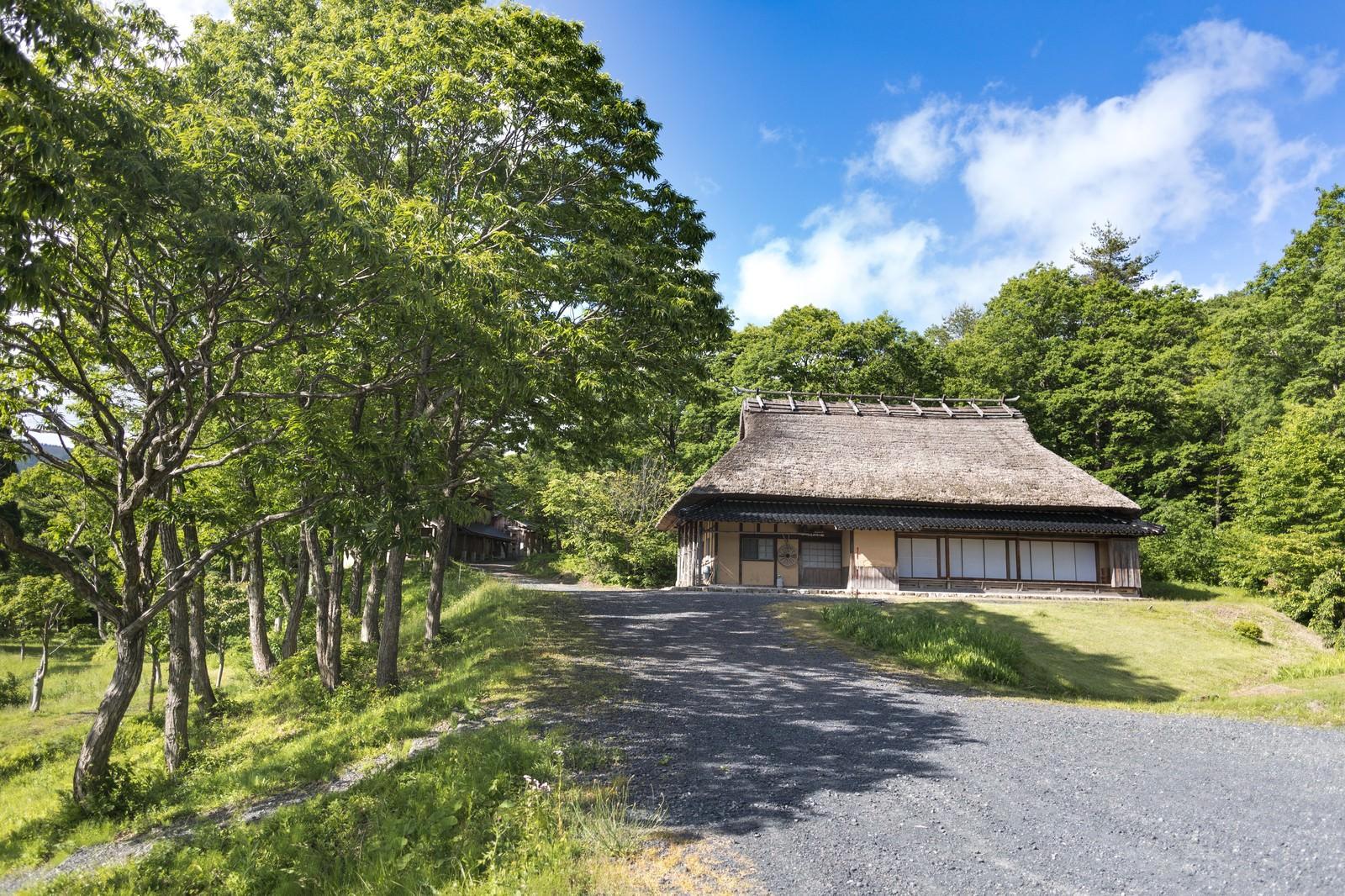 「日本の原風景が残る岡山県鏡野町のうたたねの里日本の原風景が残る岡山県鏡野町のうたたねの里」のフリー写真素材を拡大