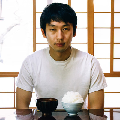 「朝から昔話盛りを食べる逆糖質制限男」の写真素材