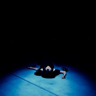 「絶望の淵」の写真素材