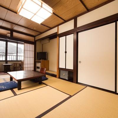平湯温泉のお宿栄太郎の和室の写真