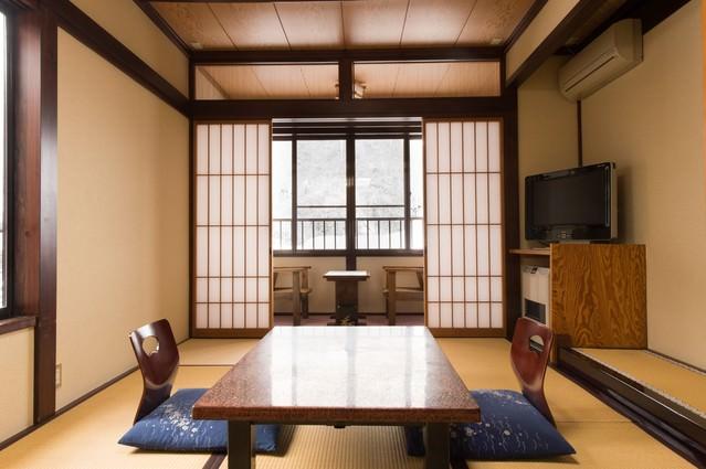 奥飛騨温泉郷・平湯温泉にあるお宿・栄太郎の和室の写真