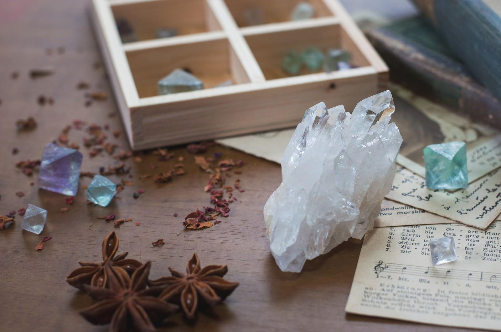 「天然石とドライフラワー」の写真