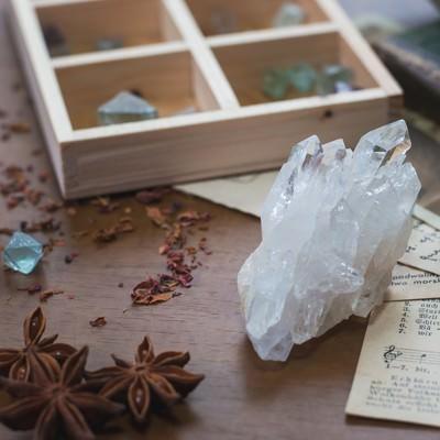 天然石とドライフラワーの写真