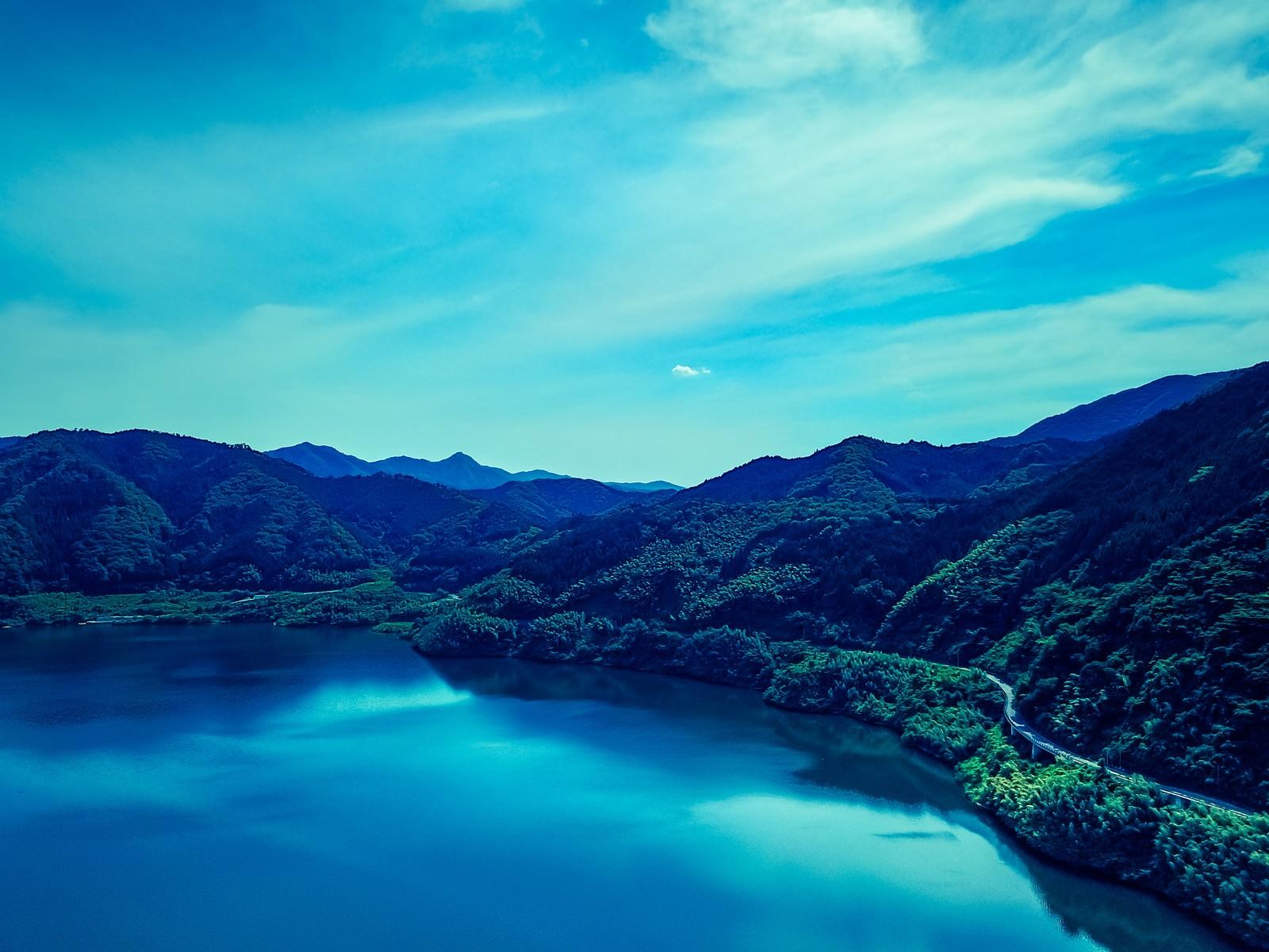 「鏡野ブルー(奥津湖)鏡野ブルー(奥津湖)」のフリー写真素材を拡大