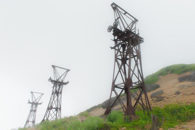 錆びた鉄塔(毛無峠)の写真