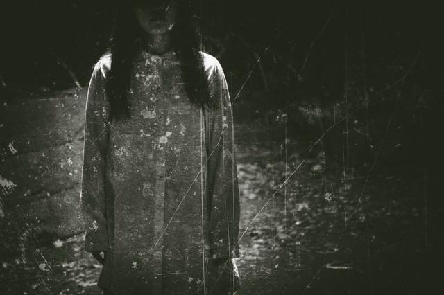 古い女性の写真(フィルム)の写真