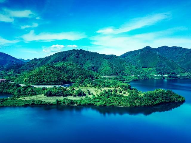 浮島(鏡野町奥津湖)の写真