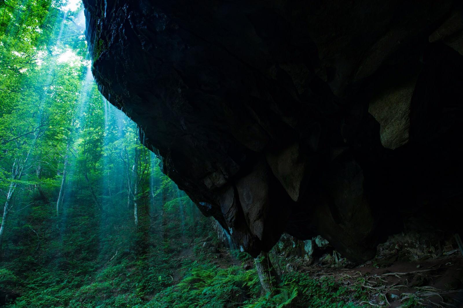 「岡山県鏡野町の癒しスポット岩井滝」の写真