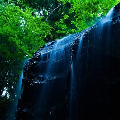 「鏡野町随一のフォトジェニックな場所、岩井滝」の写真素材