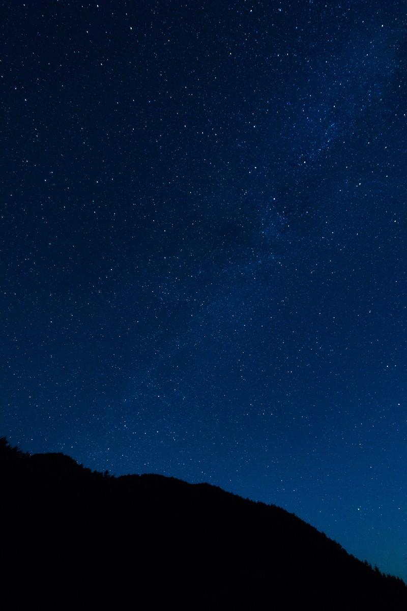 「岡山県鏡野町から眺める星空岡山県鏡野町から眺める星空」のフリー写真素材を拡大