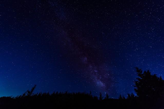 夜空いっぱいの星空(鏡野町笠菅峠)の写真