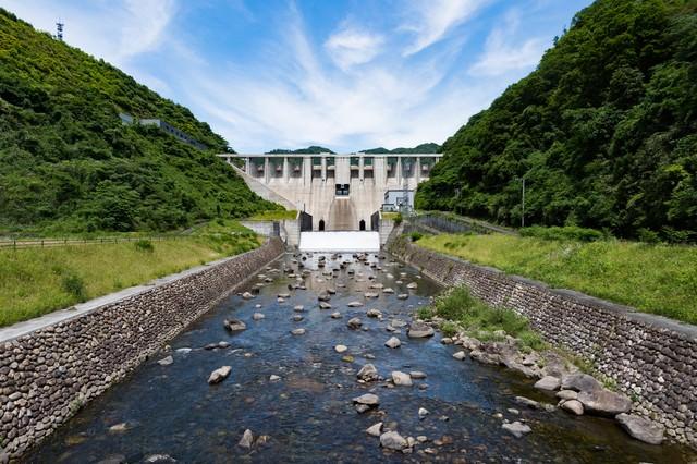 苫田ダム(岡山県鏡野町)の写真