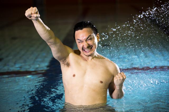 脇毛の処理を怠った水泳選手