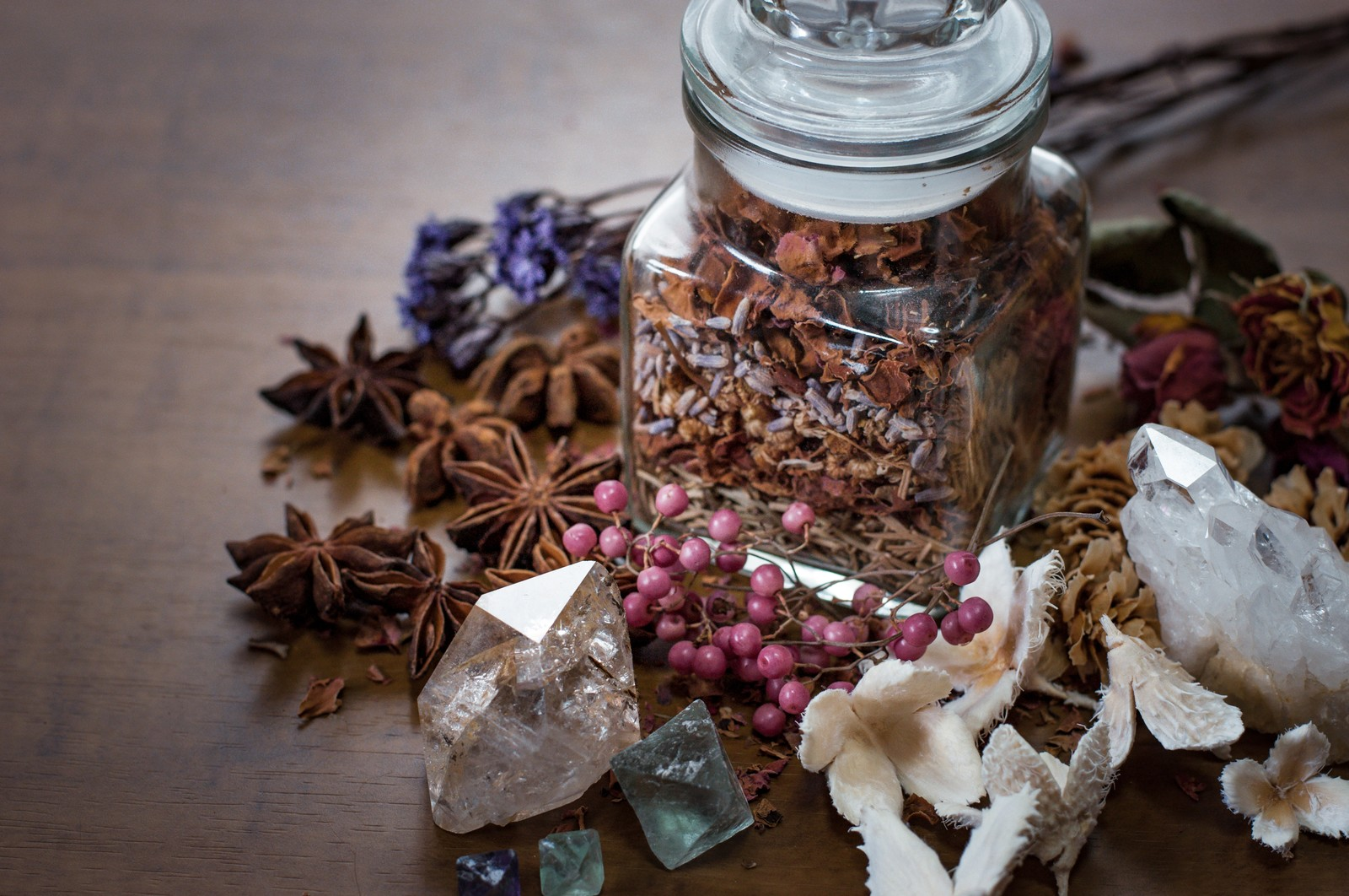 「魔法使いの薬瓶魔法使いの薬瓶」のフリー写真素材を拡大