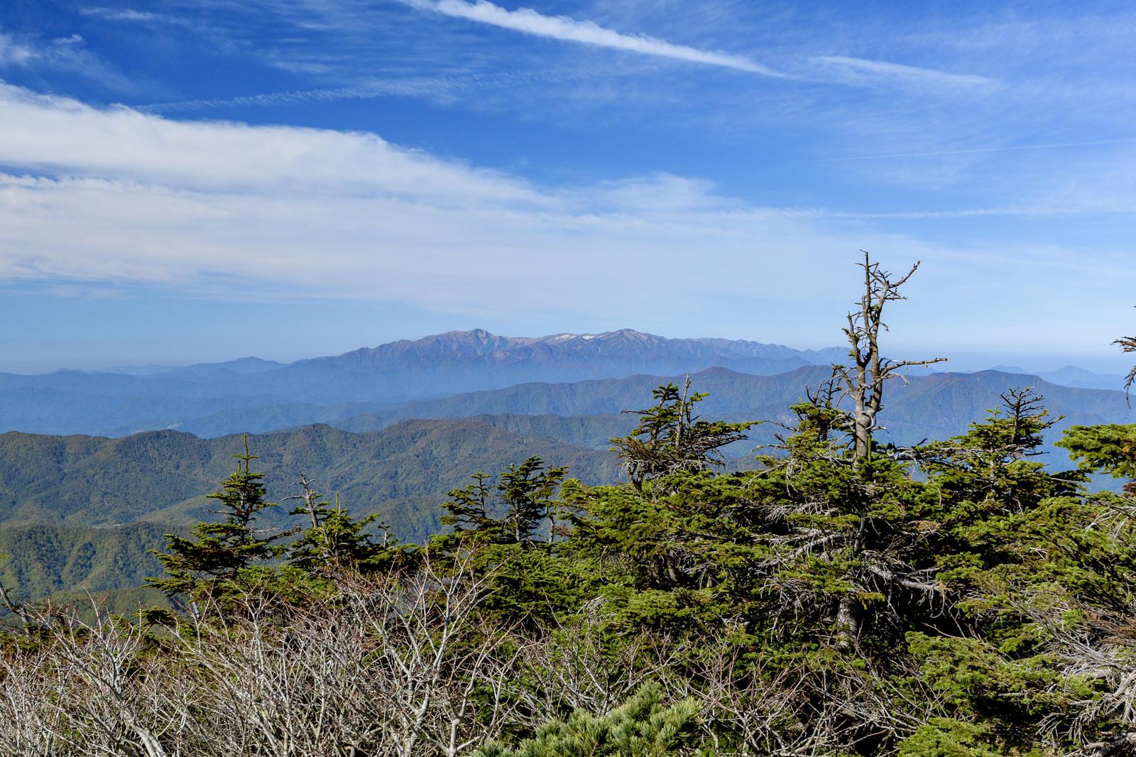 「西大巓から見る飯豊山(いいでさん)」の写真