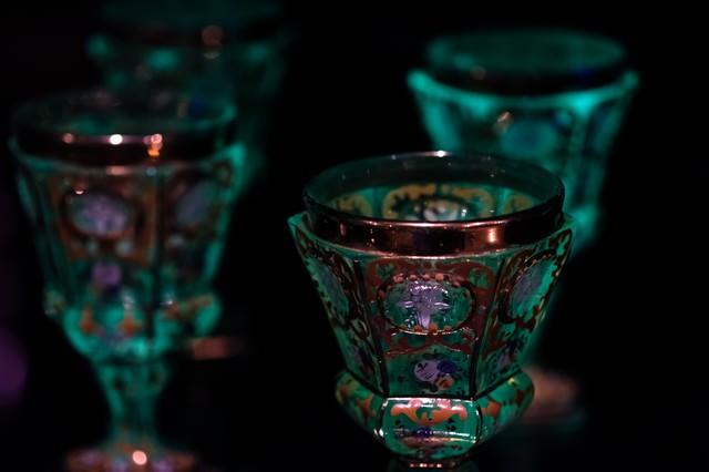ロシア皇帝が使っていたとされる、ウランガラスのゴブレットの写真