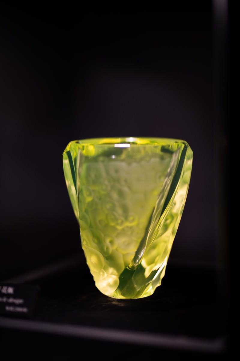 「円文切子花瓶(妖精の森ガラス美術館・鏡野町)」の写真