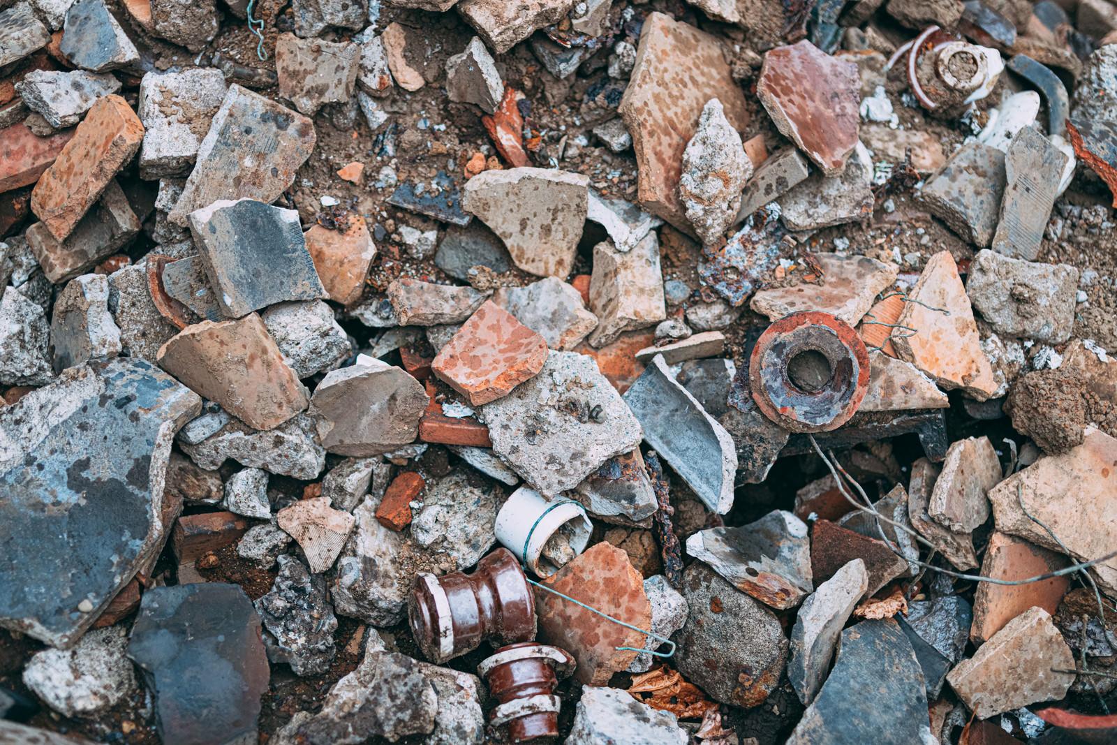 「割れた陶器類」の写真