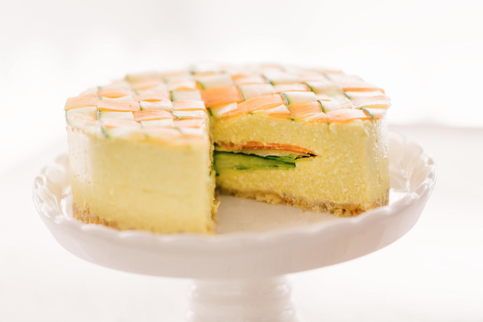 「食べ応えのある野菜のベジデコケーキ」の写真