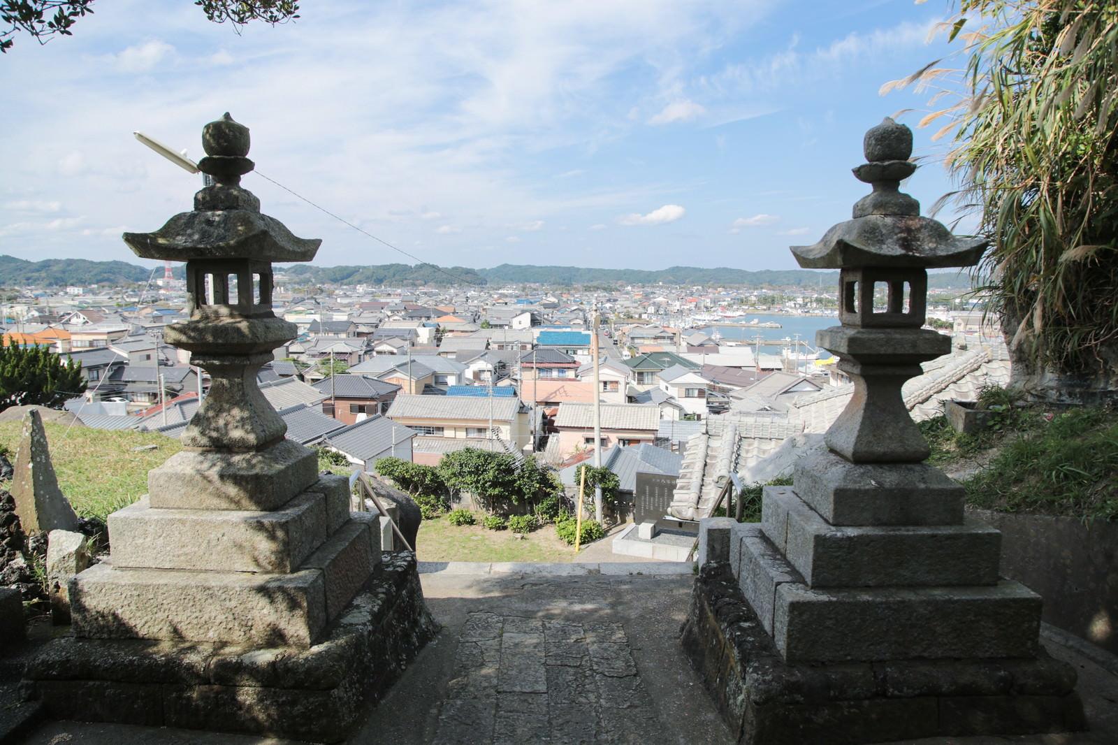 「小浜八幡神社からの街並み」の写真
