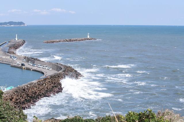小浜八幡神社からの外房の海の写真