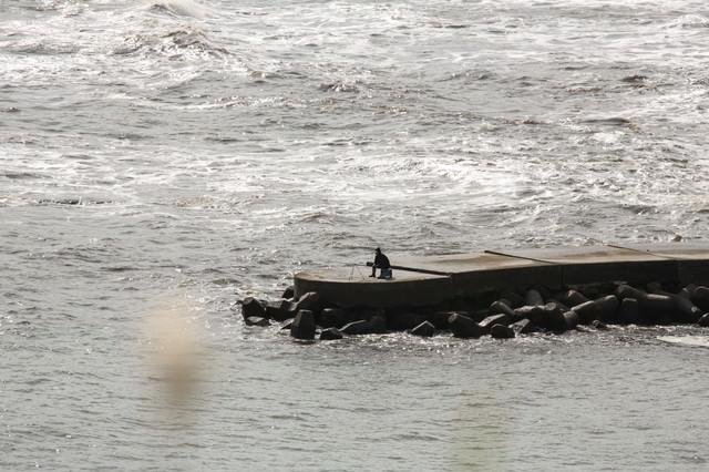 孤高の釣り人の写真