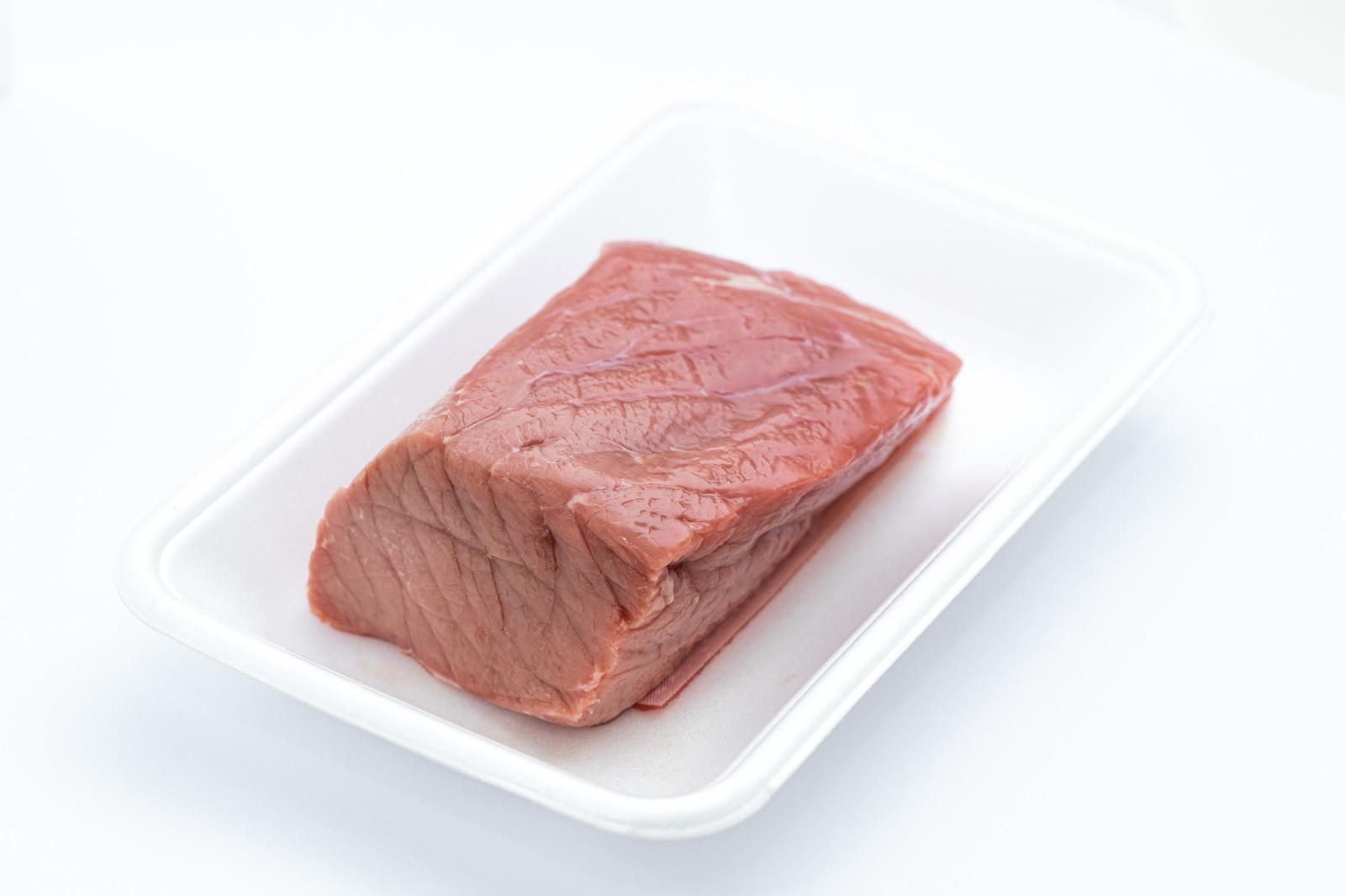 「肉の塊(ブロック)」の写真