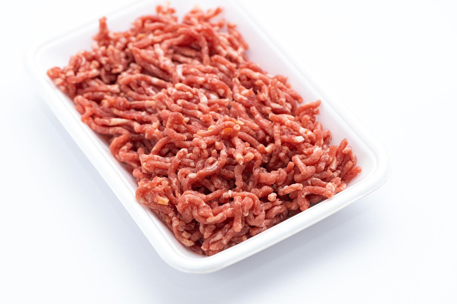 「解凍したミンチ肉」の写真