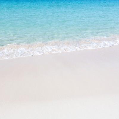 「美しい海と波打ち際」の写真素材