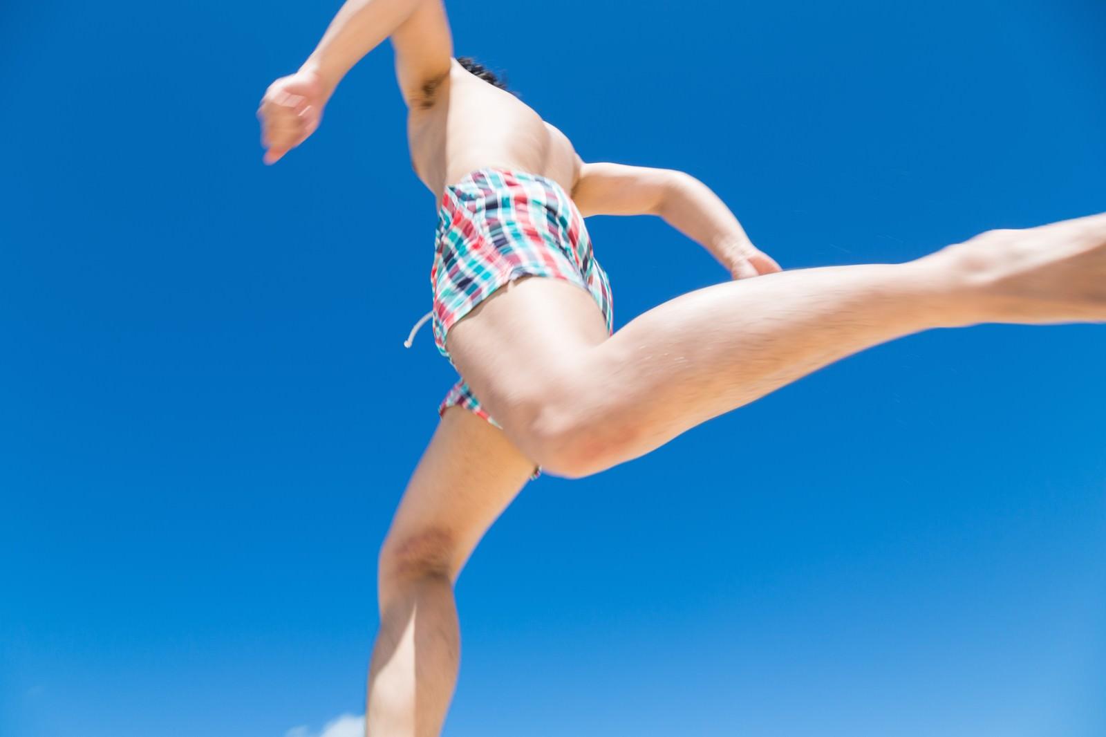 「夏まっしぐら夏まっしぐら」[モデル:大川竜弥]のフリー写真素材を拡大