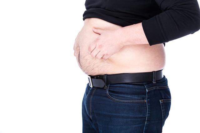 肥満界で流行中のヘソだしルックの写真