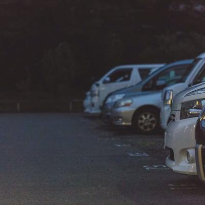 「不気味な駐車場」の写真素材