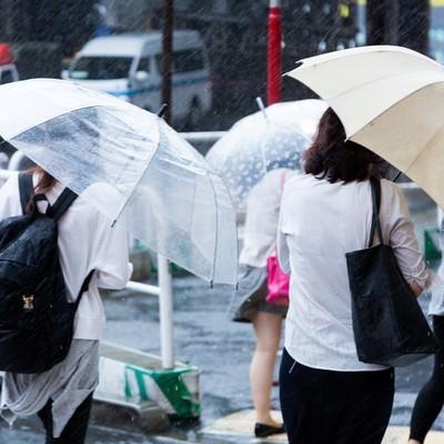 「ゲリラ豪雨」の写真素材