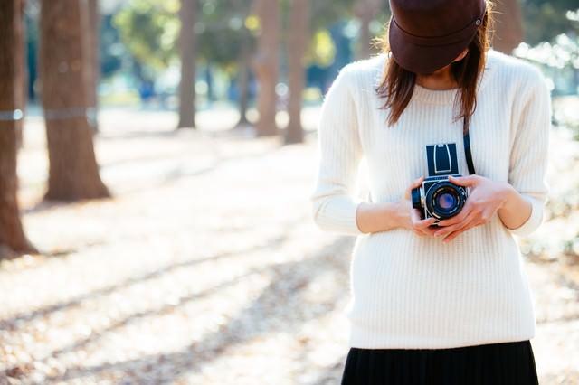 クラシックカメラ女子の写真