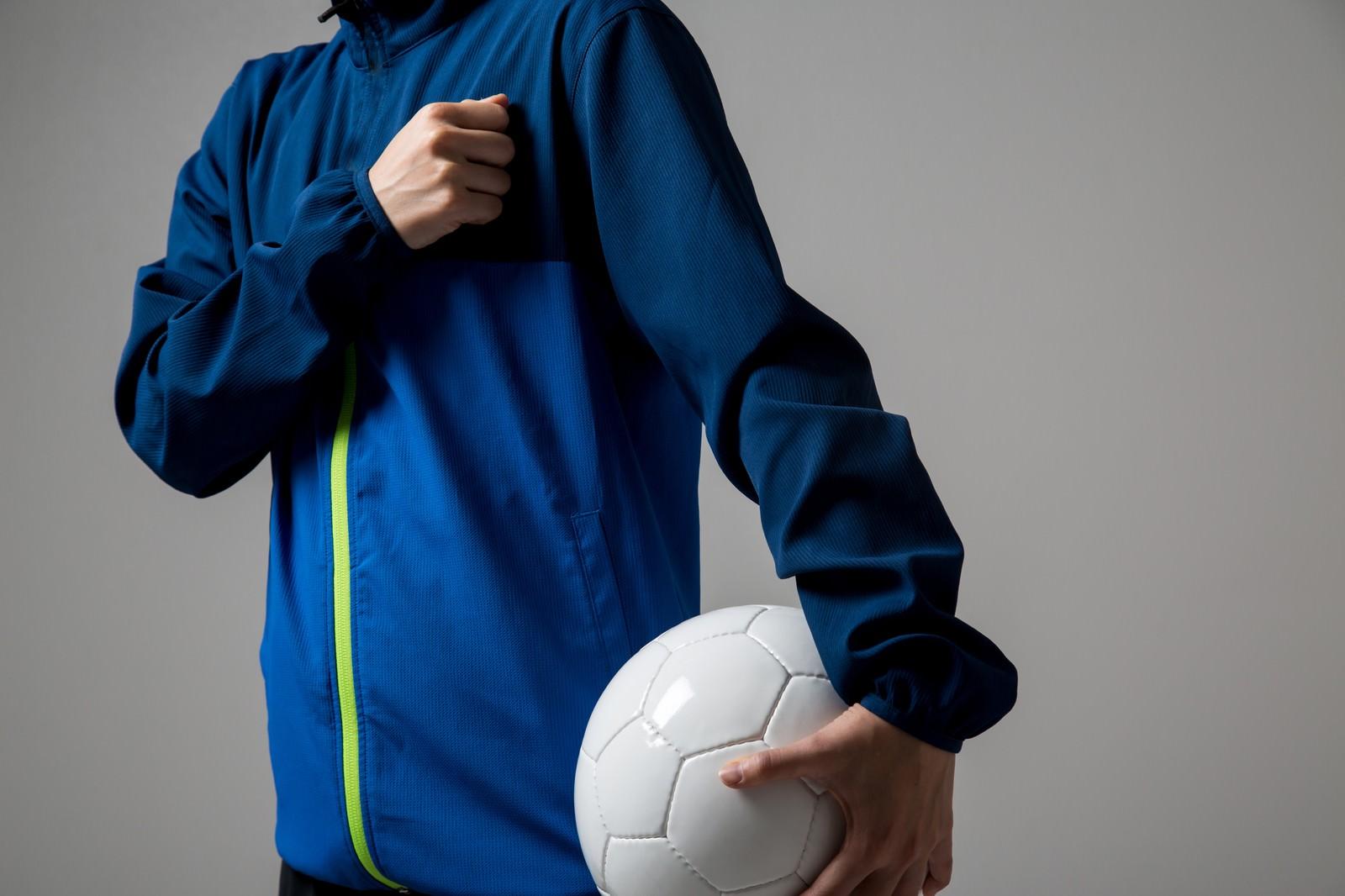 「サッカーの試合に臨む」の写真[モデル:八木彩香]