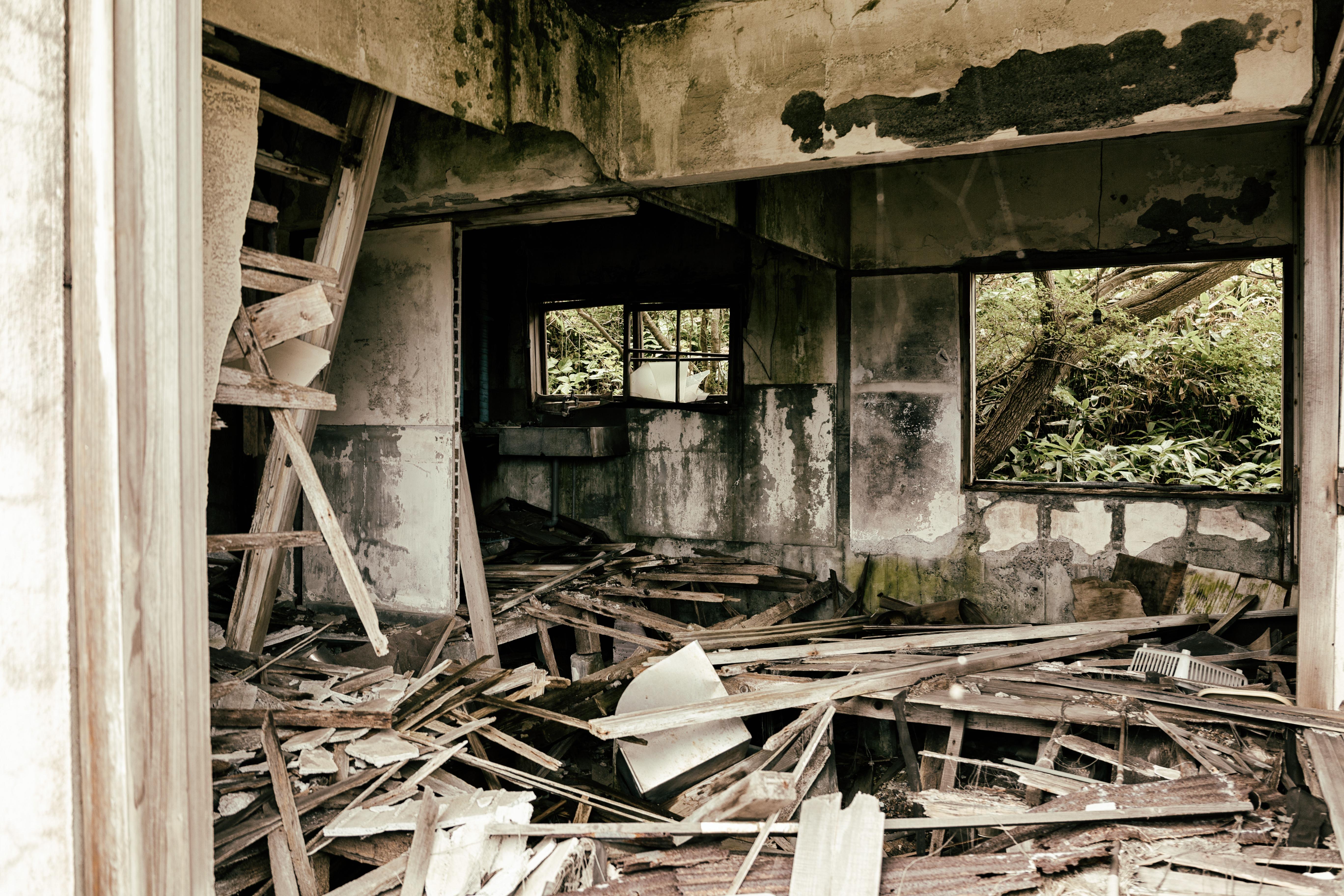 廃墟・廃屋のフリー(無料)写真素材-ぱくたそ