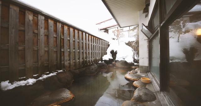「平田館の露天風呂」のフリー写真素材