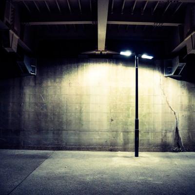 「不気味な街灯」の写真素材